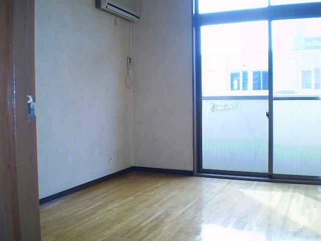 綱島駅 徒歩23分居室