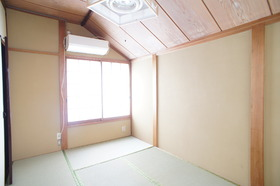 小泉邸 1号室