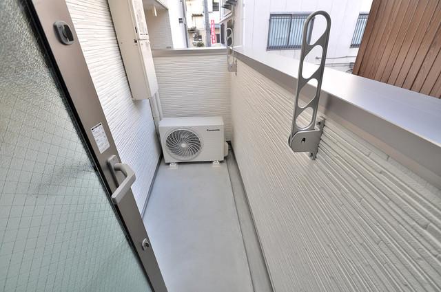 フジパレス高井田西Ⅰ番館 広めのバルコニーは風通しが良く、洗濯物もよく乾きそうです。