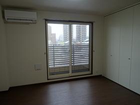 https://image.rentersnet.jp/2ef58b65-24a1-40b7-94aa-83f6229bf91b_property_picture_2418_large.jpg_cap_居室