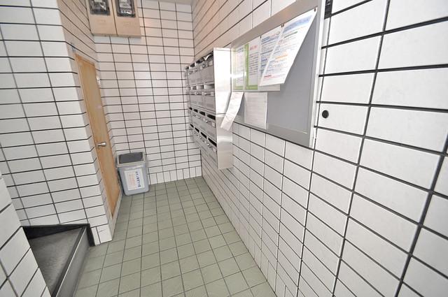 メゾンモア エントランス内には各部屋毎のメールボックスがあります。