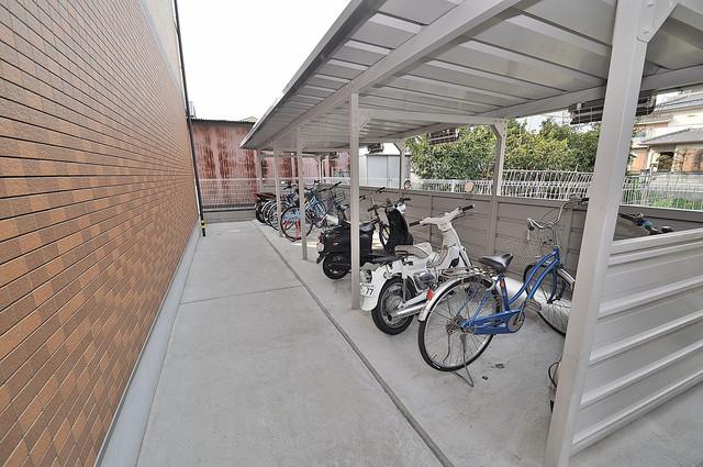 アルベージュ八戸ノ里Ⅱ番館 あなたの大事な自転車も安心してとめることができますね。