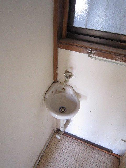 武田アパート洗面所