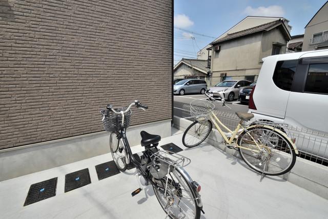 F+style横沼 あなたの大事な自転車も安心してとめることができますね。