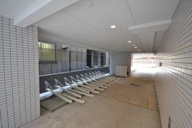 三田駅 徒歩4分駐車場