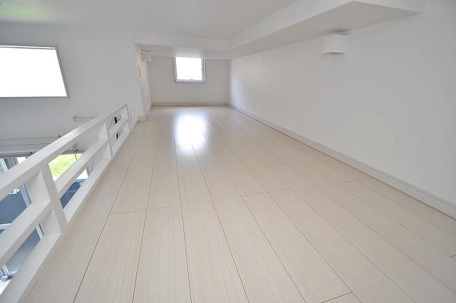アプローゼ 落ち着いた雰囲気のこのお部屋でゆっくりお休みください。