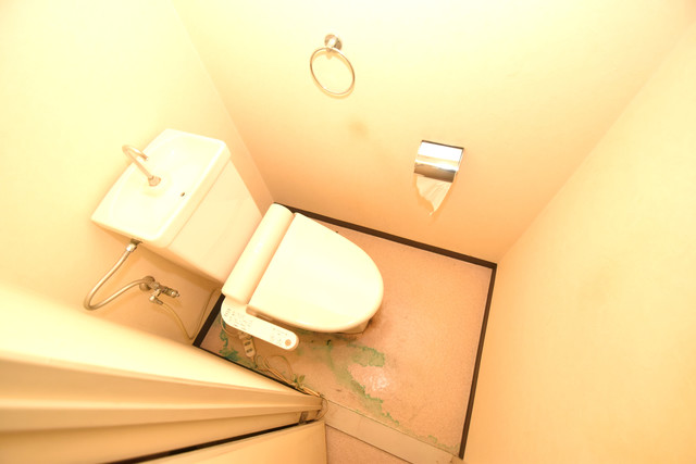 七福興産ビル スタンダードなトイレは清潔感があって、リラックス出来ます。