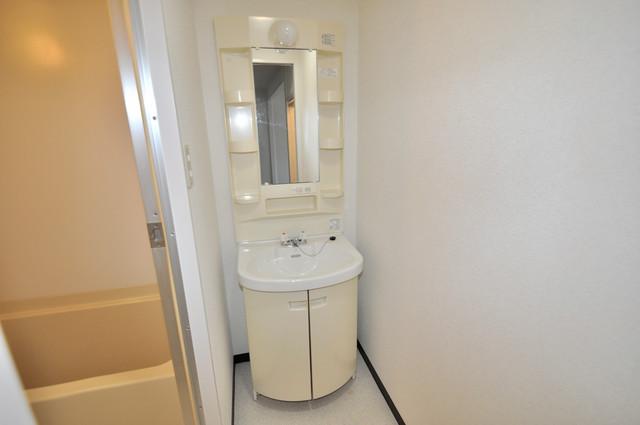 メダリアン巽 人気の独立洗面所はゆったりと余裕のある広さです。