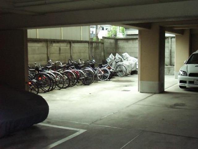 スカイコート川崎7駐車場