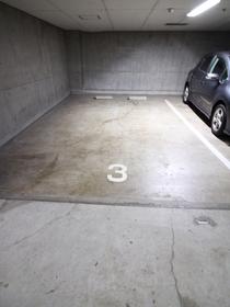有栖川ホームズ駐車場