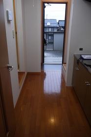 https://image.rentersnet.jp/30b981da-3936-42f0-b2f6-b1269f8f7119_property_picture_2419_large.jpg_cap_居室