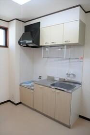 https://image.rentersnet.jp/30db9f7a-6dda-4602-9d74-0c6b2dc0b60d_property_picture_2419_large.jpg_cap_キッチン