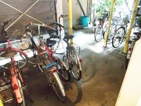 駐輪スペースもあります!