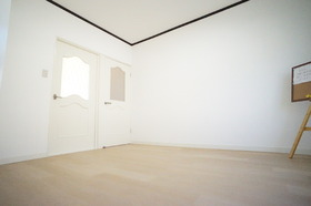 https://image.rentersnet.jp/30f0e84b-a86b-42e2-9b55-7a294285b6a0_property_picture_956_large.jpg_cap_寝室が別にあるのでリビングとして使えます。