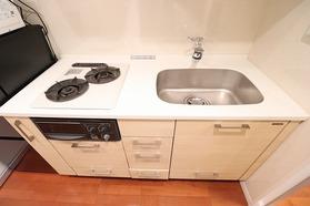 https://image.rentersnet.jp/3126d93b-1262-4ec1-be3c-88e55bd86955_property_picture_1992_large.jpg_cap_キッチン