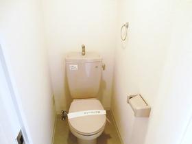 トイレは綺麗に掃除されております。