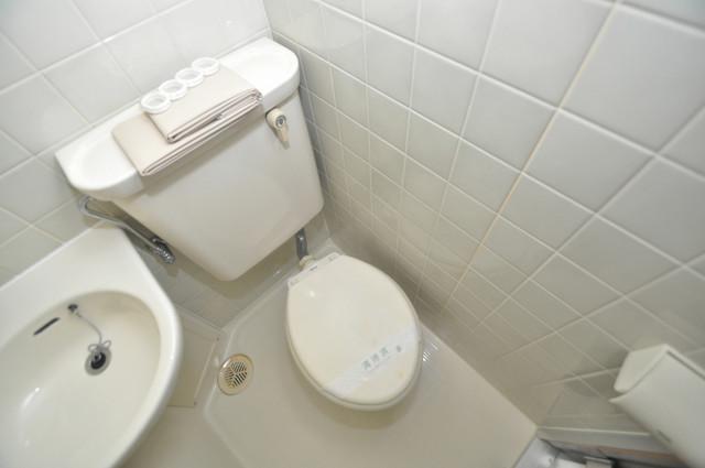 ベルハイム長瀬駅前 お風呂・トイレが一緒なのでお部屋が広く使えますね。