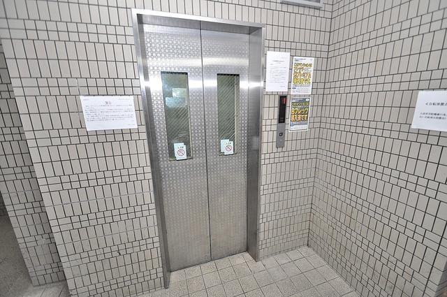 ゴッドフィールド今里 嬉しい事にエレベーターがあります。重い荷物を持っていても安心