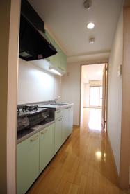 https://image.rentersnet.jp/31eda4b6-c09b-4c5c-a061-0a59aacedea9_property_picture_1992_large.jpg_cap_キッチン