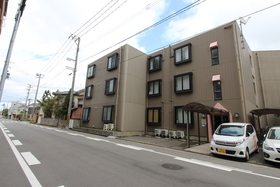 https://image.rentersnet.jp/3226f58a-da90-4059-a795-41d1563ecfd1_property_picture_958_large.jpg_cap_駐車場