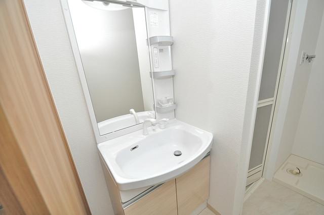 K.Bld 人気の独立洗面所はゆったりと余裕のある広さです。