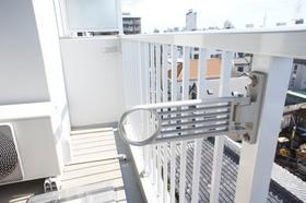 https://image.rentersnet.jp/324023d1694e3fd2d8d44abb3b108a44_property_picture_961_large.jpg_cap_室外洗濯物干しあり。