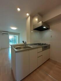 https://image.rentersnet.jp/3249eb66-7ad8-414a-8ab9-1c72a0c9794d_property_picture_3515_large.jpg_cap_キッチン