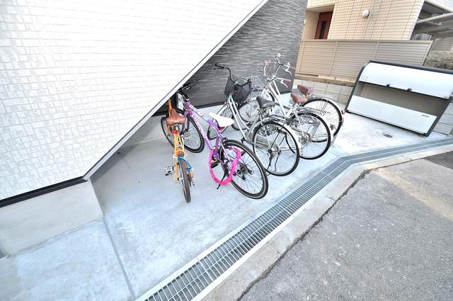 K' ヴィラ(ケーズ ヴィラ) あなたの大事な自転車も安心してとめることができますね。
