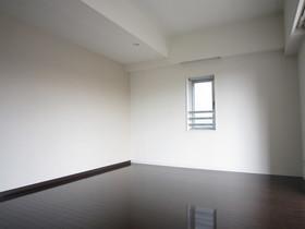 https://image.rentersnet.jp/32974933-420a-4906-945e-82773f80f426_property_picture_961_large.jpg_cap_居室