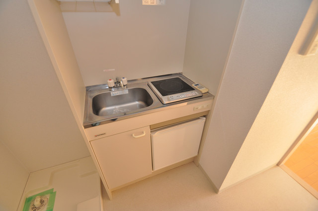八戸ノ里HIROビル 単身用のカワイイミニキッチンです。