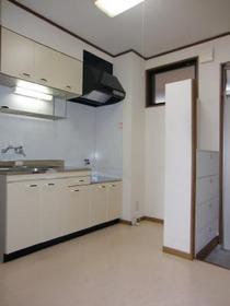 https://image.rentersnet.jp/3333c1d2-f399-4ddb-a576-e9fe12da8802_property_picture_2419_large.jpg_cap_キッチン