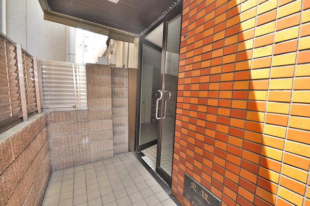 グランドメゾン樋口 玄関前の共有部分。周辺はいつもキレイに片付けられています。