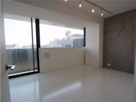 https://image.rentersnet.jp/33c86c1e-cf97-444b-9d22-10a7e2d2774b_property_picture_958_large.jpg_cap_居室