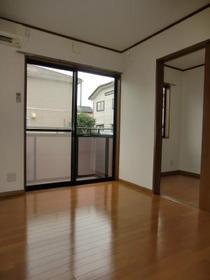 https://image.rentersnet.jp/33f448fe-e649-40e6-a71d-2440cfd25839_property_picture_2419_large.jpg_cap_居室