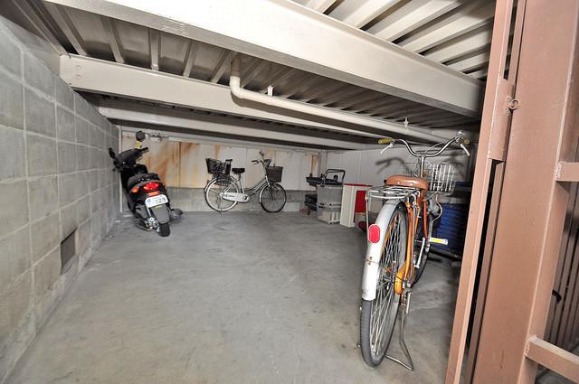 浅田ハイツ 駐輪場が敷地内にあります。愛車を安心して置いておけますね。