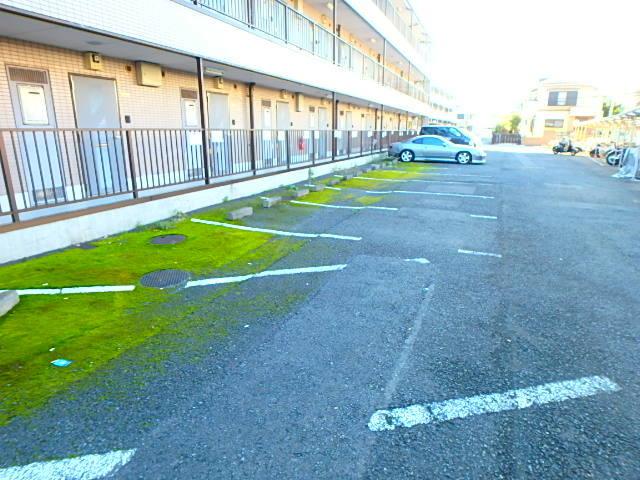 植村ビル駐車場