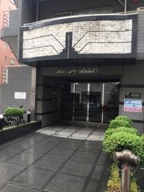 スカイコート横浜西口エントランス