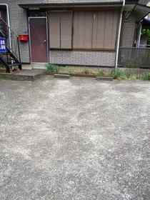 三村荘駐車場
