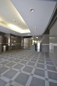 代々木公園駅 徒歩10分エントランス