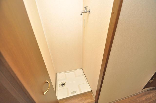 グランメール高井田 洗濯機置場が室内にあると本当に助かりますよね。