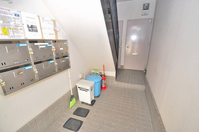 カメリア俊徳道 屋内にあるポストは大切な郵便物を雨から守ってくれます。