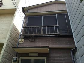四ツ谷木造二階建て住居の外観画像