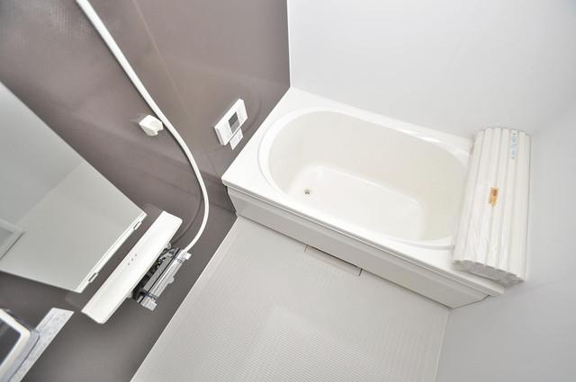 シャーメゾンプランタン 広めのお風呂は一日の疲れを癒してくれます。