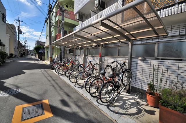 シャトー雅 あなたの大事な自転車も安心してとめることができますね。