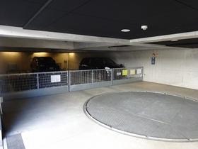 カスタリア目黒長者丸駐車場