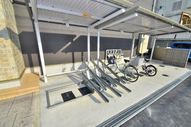 G-SQUARE 屋内にある駐輪場は大切な自転車を雨から守ってくれます。