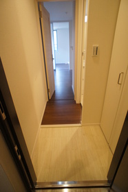 The Residence 田園調布 301号室