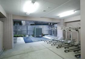 スカイコート本郷東大前弐番館駐車場