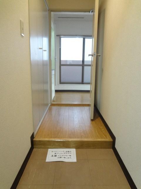 プライム横浜玄関