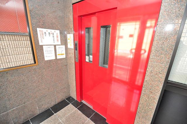 ヴィーブルアサダ エレベーター付き。これで重たい荷物があっても安心ですね。